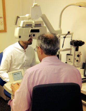 eyetest-equipment-optometrist-diopter-tool
